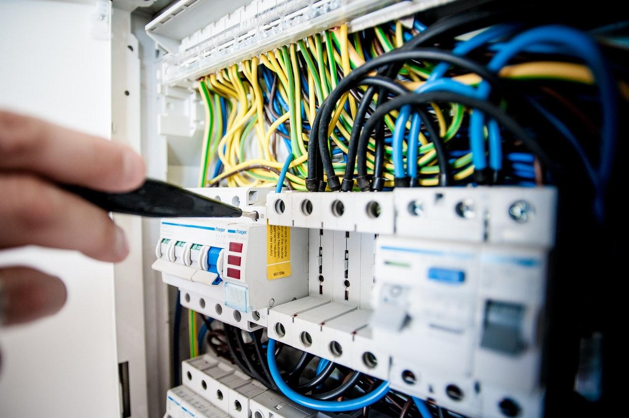 5 tips om veilig om te gaan met elektriciteit